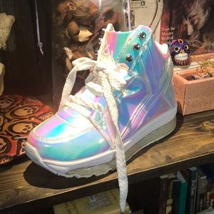 YRU Holographic Sneakers Qozmo Aiire Atlantis